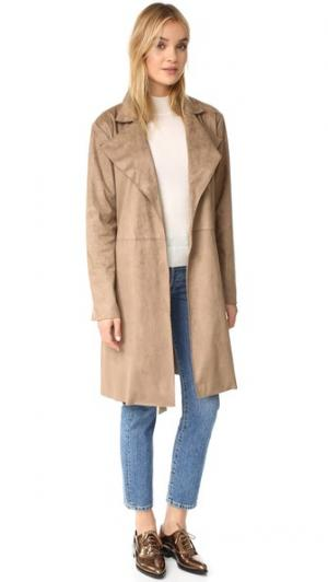 Пальто-тренч Ariana из искусственной замши cupcakes and cashmere. Цвет: бежевый