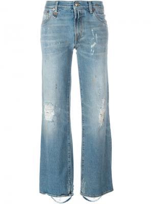 Расклшенные джинсы Kilburn R13. Цвет: синий