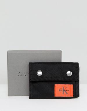 Calvin Klein Кошелек. Цвет: черный