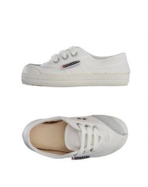 Низкие кеды и кроссовки KAWASAKI. Цвет: белый