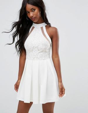 Girl In Mind Белое короткое приталенное платье с кружевным топом Danie. Цвет: белый