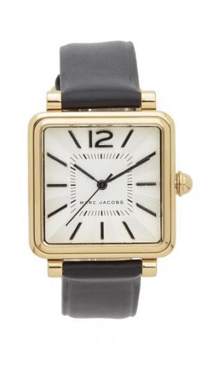 Часы Vic Marc Jacobs