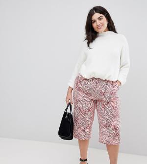 AX Paris Plus Комбинируемые укороченные брюки с цветочным принтом. Цвет: мульти