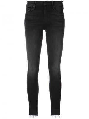 Облегающие джинсы с необработанным низом Mother. Цвет: чёрный