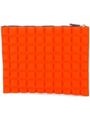 Текстурированный клатч на молнии No Ka Oi Ka'. Цвет: жёлтый и оранжевый