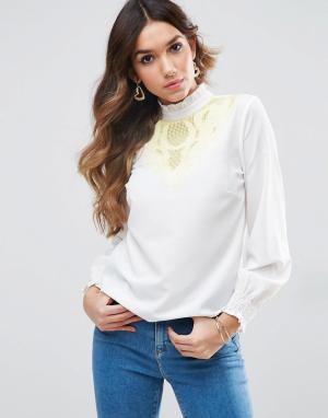 ASOS Блузка с контрастной вышивкой. Цвет: розовый