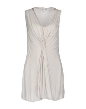 Короткое платье GOSSIP. Цвет: светло-серый