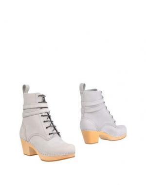 Полусапоги и высокие ботинки SWEDISH HASBEENS. Цвет: светло-серый