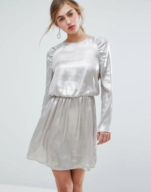 Ivyrevel Платье мини с длинными рукавами и сборками на плечах. Цвет: серебряный