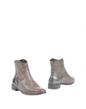Полусапоги и высокие ботинки CRIME London. Цвет: коричневый