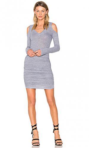 Платье с открытыми плечами Lanston. Цвет: серый