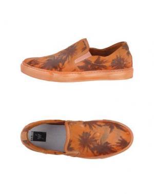 Низкие кеды и кроссовки W DABLIU. Цвет: оранжевый