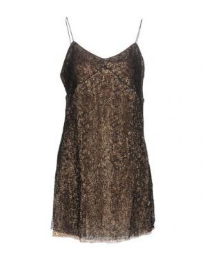Короткое платье KORALLINE. Цвет: платиновый
