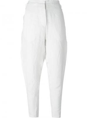 Зауженные к низу брюки Masnada. Цвет: белый