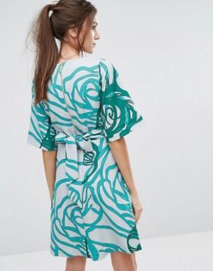 Closet London Платье с рукавами-кимоно и завязкой сзади. Цвет: зеленый