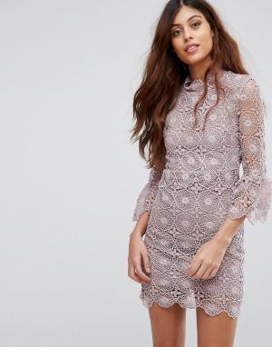 Little White Lies Кружевное платье с открытой спиной и оборками на рукавах. Цвет: фиолетовый