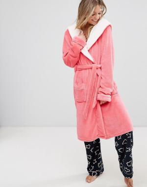Chelsea Peers Розовый пушистый халат. Цвет: розовый
