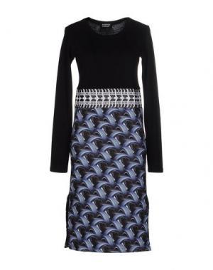 Платье до колена ANDREA CREWS. Цвет: черный