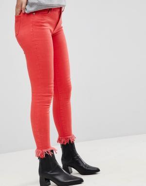 Only Цветные джинсы скинни с необработанным низом. Цвет: красный
