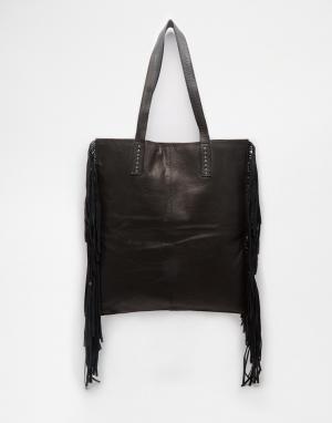 Becksondergaard Кожаная сумка-шоппер с бахромой. Цвет: черный