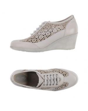 Обувь на шнурках NOVELTY. Цвет: слоновая кость