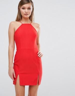 Rare Платье со спинкой-борцовкой и разрезом спереди. Цвет: красный