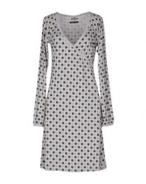 Платье до колена JOHNNY LAMBS. Цвет: светло-серый