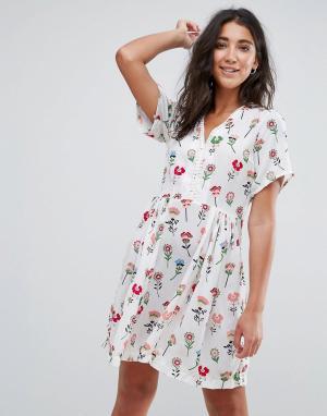 Trollied Dolly Чайное платье мини с цветочным принтом. Цвет: кремовый