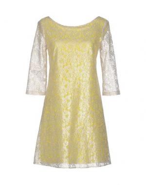 Короткое платье AXARA PARIS. Цвет: желтый