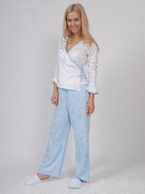 Пижама (кофта с запахом длинный рукав+штаны длинные) белый/голубой размер М La Pastel. Цвет: голубой, белый