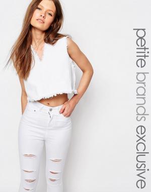 Waven Petite Укороченный джинсовый топ с V-образным вырезом и бахромой. Цвет: белый