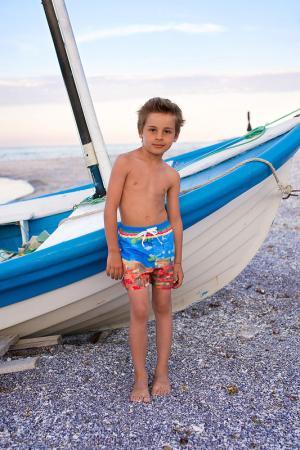 Пляжные шорты LOVE MADE. Цвет: синий