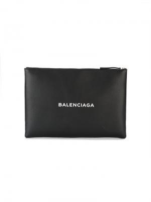 Клатч с логотипом Navy Balenciaga. Цвет: черный