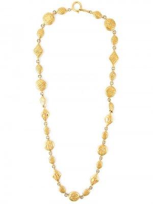 Длинное ожерелье с тиснёными элементами Chanel Pre-Owned. Цвет: золотистый