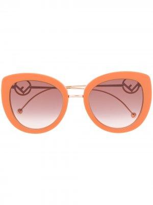 Массивные солнцезащитные очки с логотипом Fendi Eyewear. Цвет: коричневый