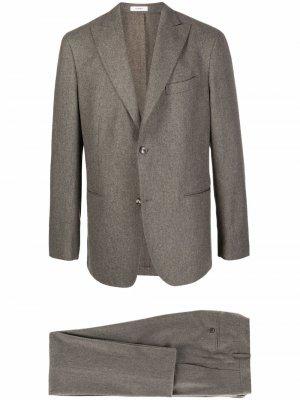 Костюм-двойка с однобортным пиджаком Boglioli. Цвет: зеленый