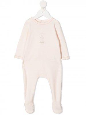 Пижама с вышитым логотипом Chloé Kids. Цвет: нейтральные цвета