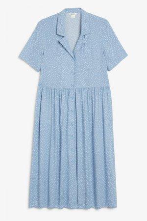 Платье макси на пуговицах Monki. Цвет: синий, разноцветный