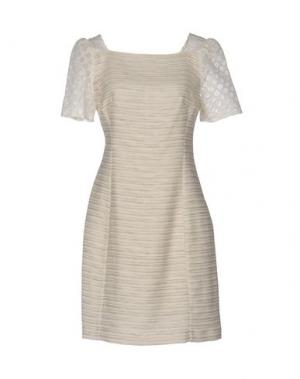 Короткое платье AXARA PARIS. Цвет: песочный