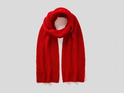 Шерстяной шарф Benetton. Цвет: красный