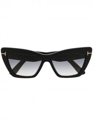 Солнцезащитные очки в оправе кошачий глаз TOM FORD Eyewear. Цвет: черный