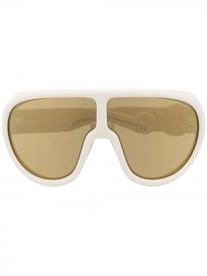 Солнцезащитные очки-маска с зеркальными линзами Moncler Eyewear. Цвет: белый