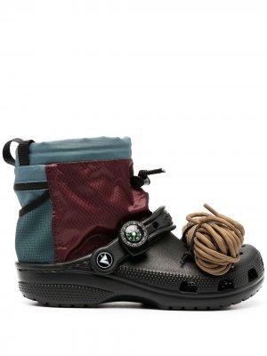 Сабо Campsite Classic Clog x Nicole McLaughlin Crocs. Цвет: черный