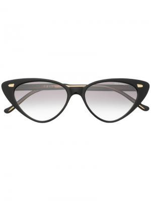 Солнцезащитные очки в оправе кошачий глаз Cutler & Gross. Цвет: черный