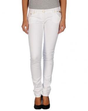 Джинсовые брюки CELYN B.. Цвет: белый