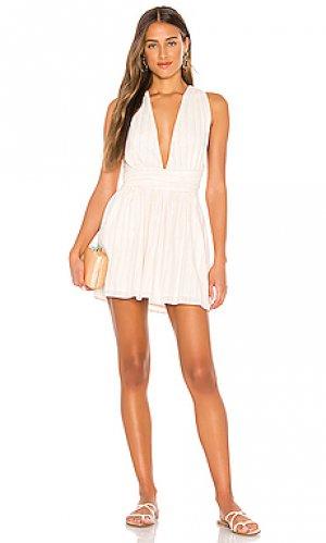 Мини платье campbell Beach Bunny. Цвет: кремовый