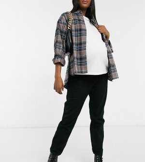 Черные джинсы прямого кроя с посадкой поверх животика x Dani Dyer-Черный In The Style Maternity