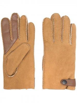 Перчатки с подкладкой UGG. Цвет: коричневый