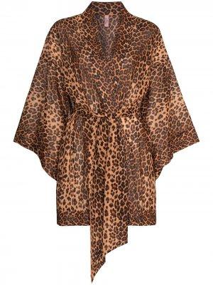 Короткий халат Kittie с леопардовым принтом Agent Provocateur. Цвет: нейтральные цвета