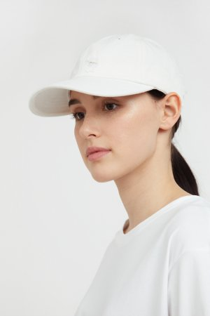 Кепи женское Finn-Flare. Цвет: белый